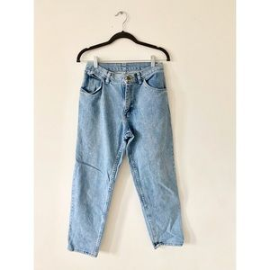 Wrangler Vintage Mom Jeans Size 28 Light Wash